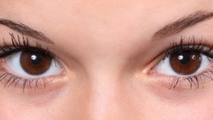 clean eye Dark Circles