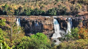 athirapally kerala waterfalls