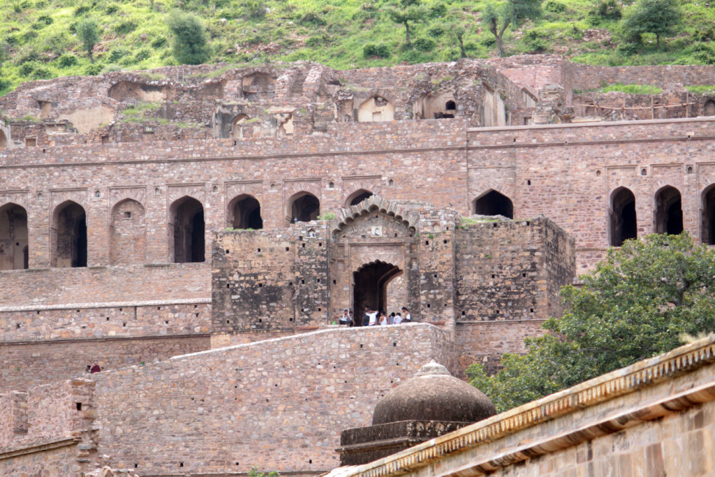 Haunted-bhangarh-fort-rajasthan