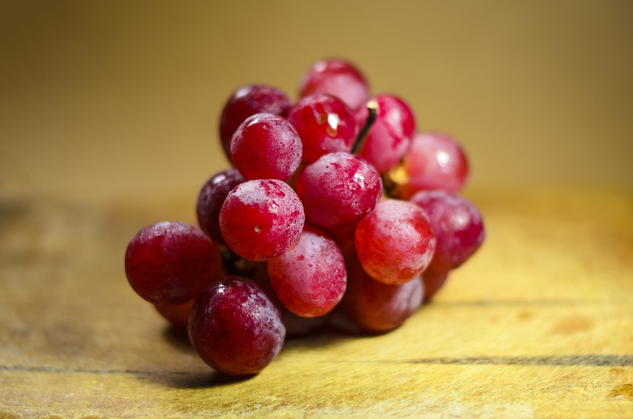 red grapes for cancer