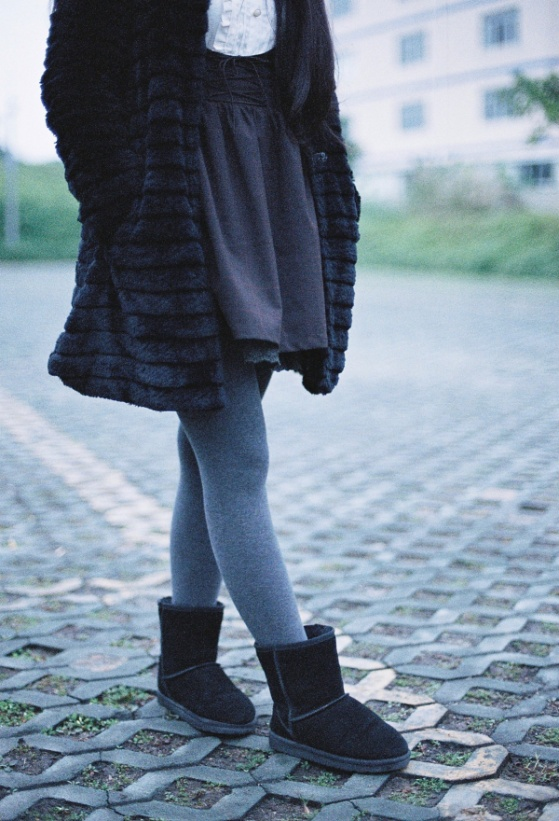 shoe winter girl texture feet cute boot leg dslr fur jeans spring foot clean gray fashion blue clothing black closeup outerwear denim textile shoes grey lights 50mm dress cool legs boots bright footwear faceless skirt detail cotton socks tights pantyhose shape dressing ugg snowboot photo shoot